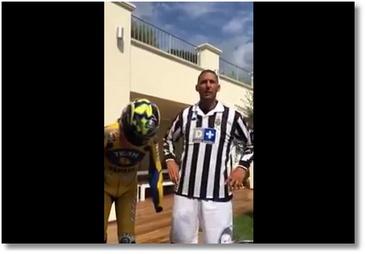 Materazzi fait un défi en maillot de Zidane