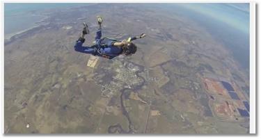 Il fait une crise d'épilepsie lors d'un saut en parachute